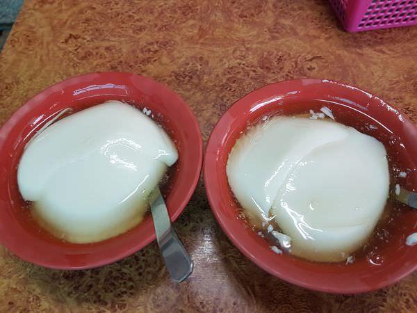 [台南]北區 60年古早味豆花|很有名的無名豆花|必嘗檸檬豆花|連德堂煎餅附近散步點心 無名豆花