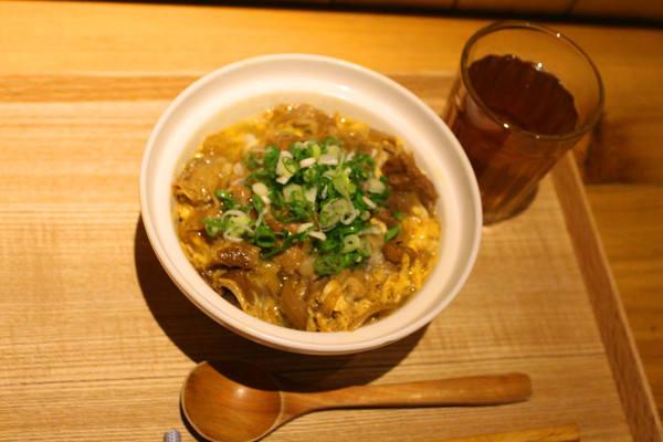 旭屋牛丼專賣:[台南]滿滿牛肉+蔥花=100分牛丼。限量美味 旭屋