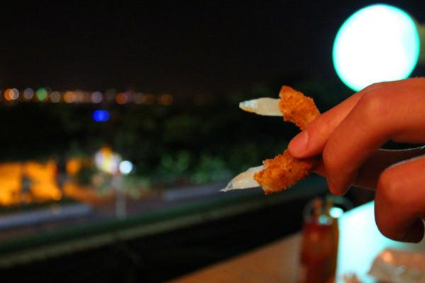 Kia Ora Kai:[台北]俯瞰淡水美景+美食-老街上的隱藏版漢堡 Kia Ora Kai