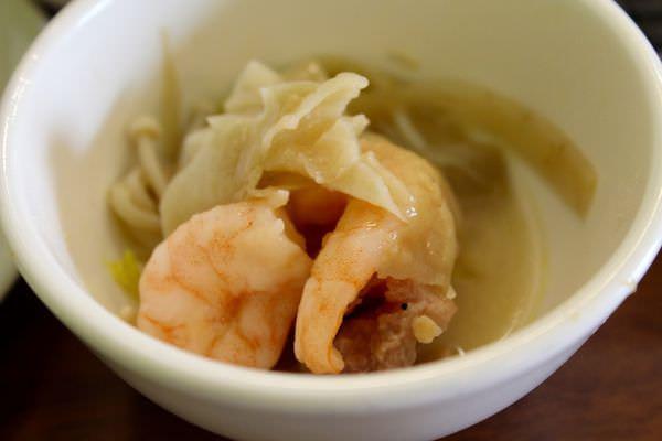 [台南]安平區 冬天就是要吃火鍋 跑山雞紅蟳石斑入鍋 家族聚會推薦 郭師傅飯鍋料理