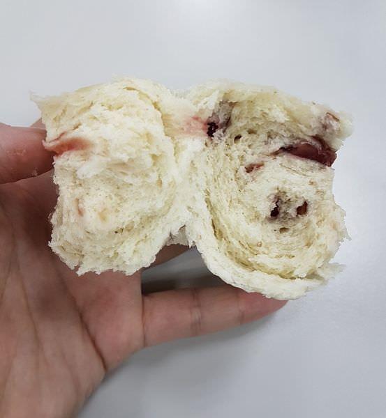 [台南]東區 凱旋路新開饅頭店 用料紮實 早上來一杯蓮藕茶吧~ 123饅頭店 蔓越莓饅頭好新奇~