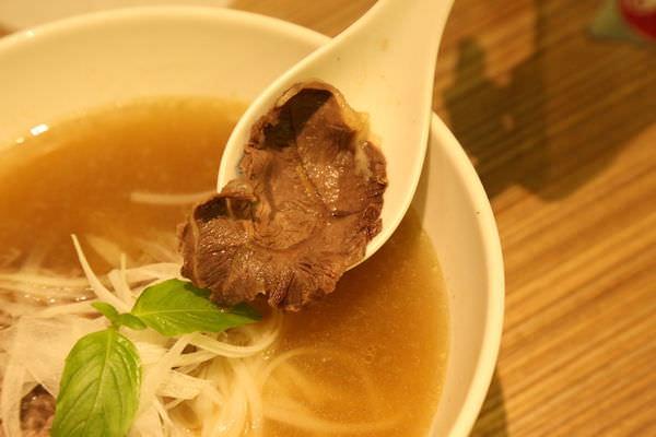 [台南]中西區 簡約工業風 平價異國料理 O'LaLa 越法小館