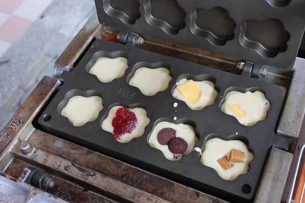 [台南]安平 文章牛肉艋舺雞排旁散步點心 冬天就是要吃草莓雞蛋糕啊!!! 樂 雞蛋糕
