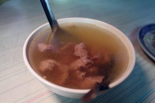 安平無名牛肉湯:[台南]在地人早起的美味牛肉湯 安平無名牛肉湯