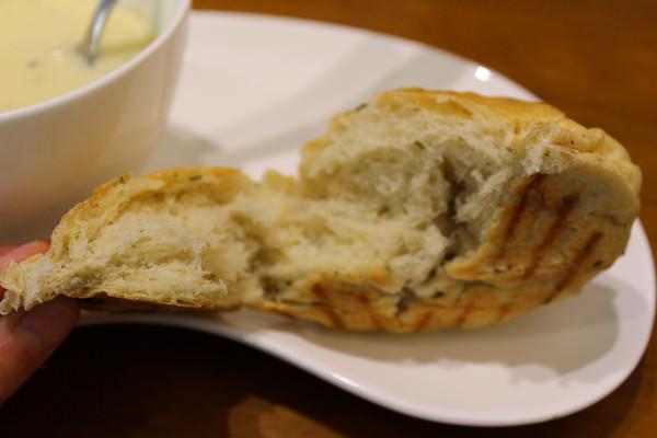 AM&PM洋食館-巨蛋店:[高雄]手工現做麵包x星星披薩 平價大滿足 AM&PM洋食館-巨蛋店